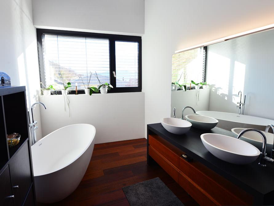 Badewanne Für Kleines Bad kleines badezimmer mit der freistehenden badewanne piemont