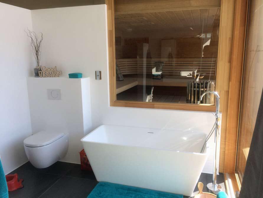 Badezimmer Idee mit der freistehenden Badewanne Ancona