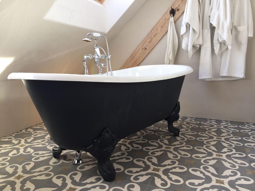 Badezimmer mit der freistehenden Nostalgie Badewanne Bristol