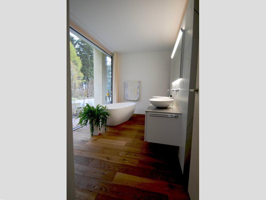 Badezimmer Idee mit der freistehenden Badewanne Luino