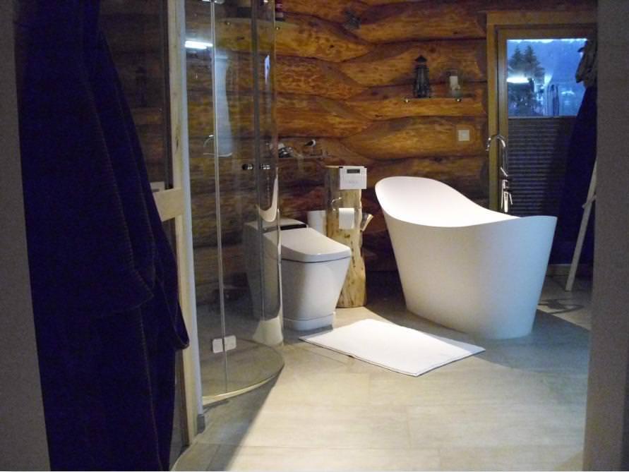 Badezimmer Idee mit der freistehenden Badewanne Napoli