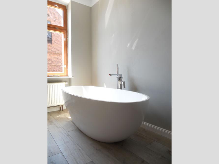 Badezimmer idee piemont freistehenden badewanne for Badezimmer badewanne