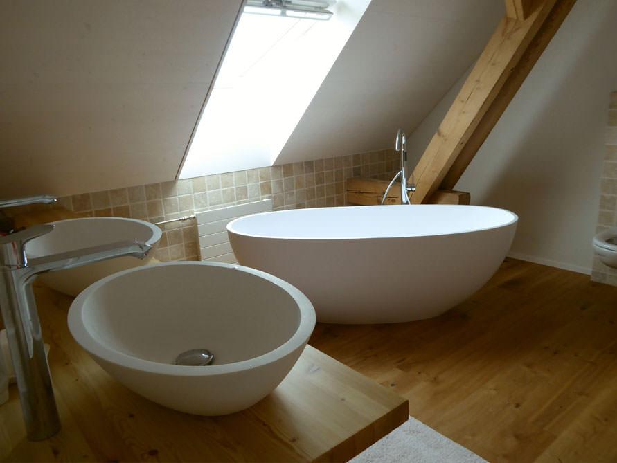 badezimmer ideen mit freistehende badewanne piemont medio aus mineralguss aufsatzbecken sillaro. Black Bedroom Furniture Sets. Home Design Ideas