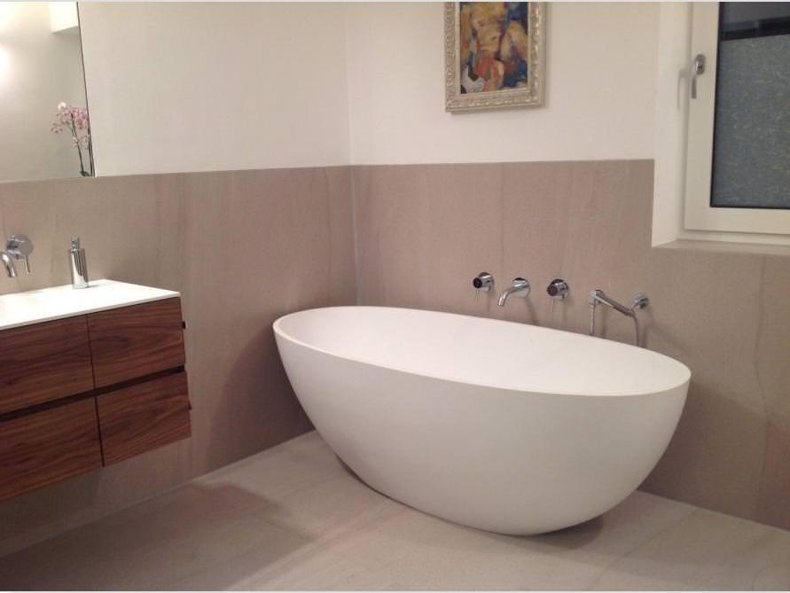 badezimmer idee piemont medio freistehenden badewanne badezimmers positionierung. Black Bedroom Furniture Sets. Home Design Ideas