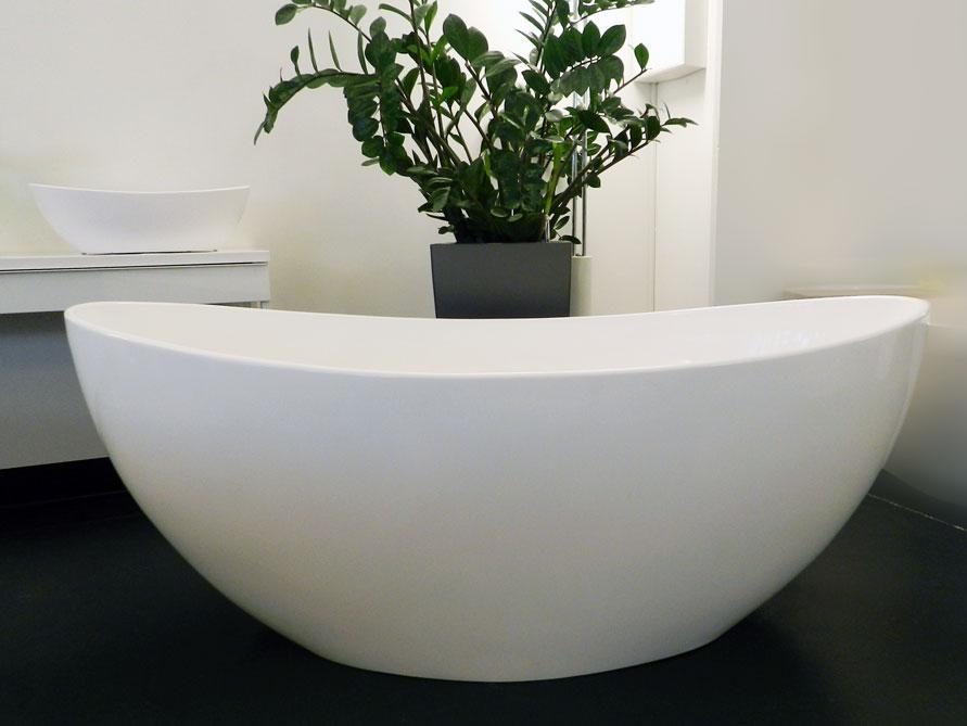 novara freistehende mineralguss badewanne weiss matt 166 x 84 x 65 oval modern duo. Black Bedroom Furniture Sets. Home Design Ideas
